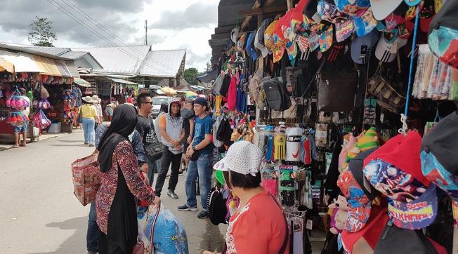Pasar Serikin destinasi pelancongan popular tarik ramai pengunjung