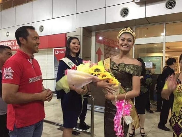 Viviana Lin Winston Disambut Meriah Di Kuching International Airport